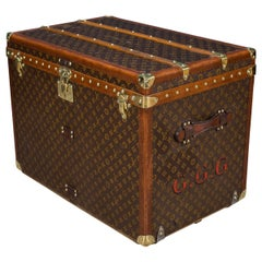 Antique 20th Century Rare Louis Vuitton Monogram Hat Trunk, circa 1930
