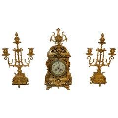 Mantel Clock in Gilded Bronze