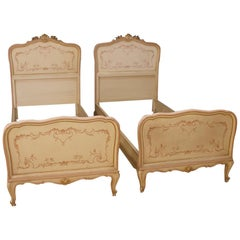 Pair of Venetian Beds in Painted Wood with Floral Decorations from 20th Century