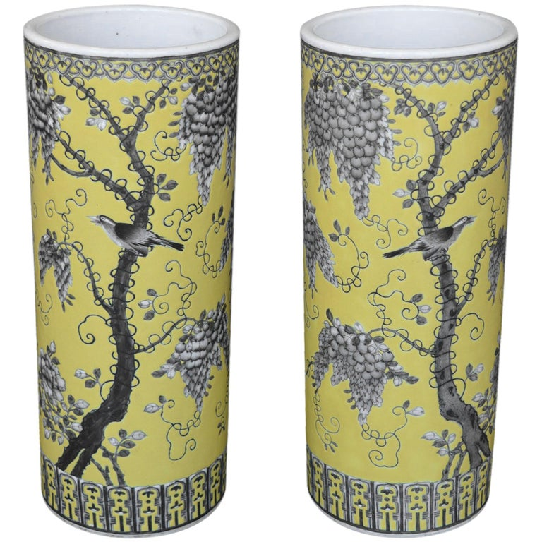 Pair of Dayazhai Yellow-Ground Grisaille-Decorated Vases For Sale