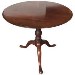 18th Century American Chippendale Tilt-Top Tea Table