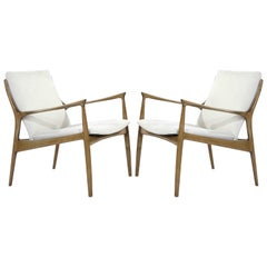 Ib Kofod-Larsen Lounge Chairs in Linen