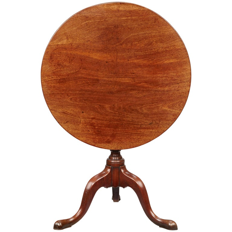 18th Century Chippendale Period Mahogany Tripod Table on Cabriole Base For Sale