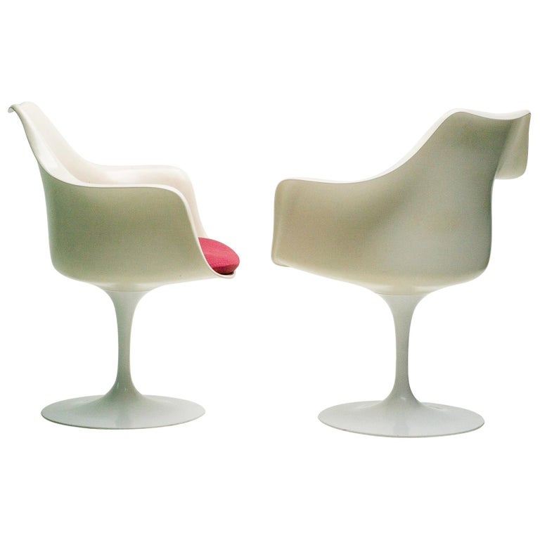 Early 1950s Set of Saarinen Model 150 Tulip Armchairs For Sale