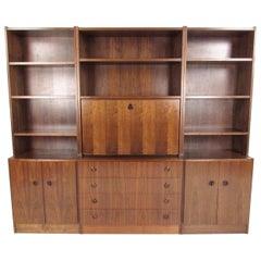 Impressive Mid-Century Modern Bookcase or Wall Unit
