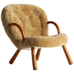 Philip Arctander, Clam Armchair Beige Lambskin and Stained Beech, Denmark, 1940s