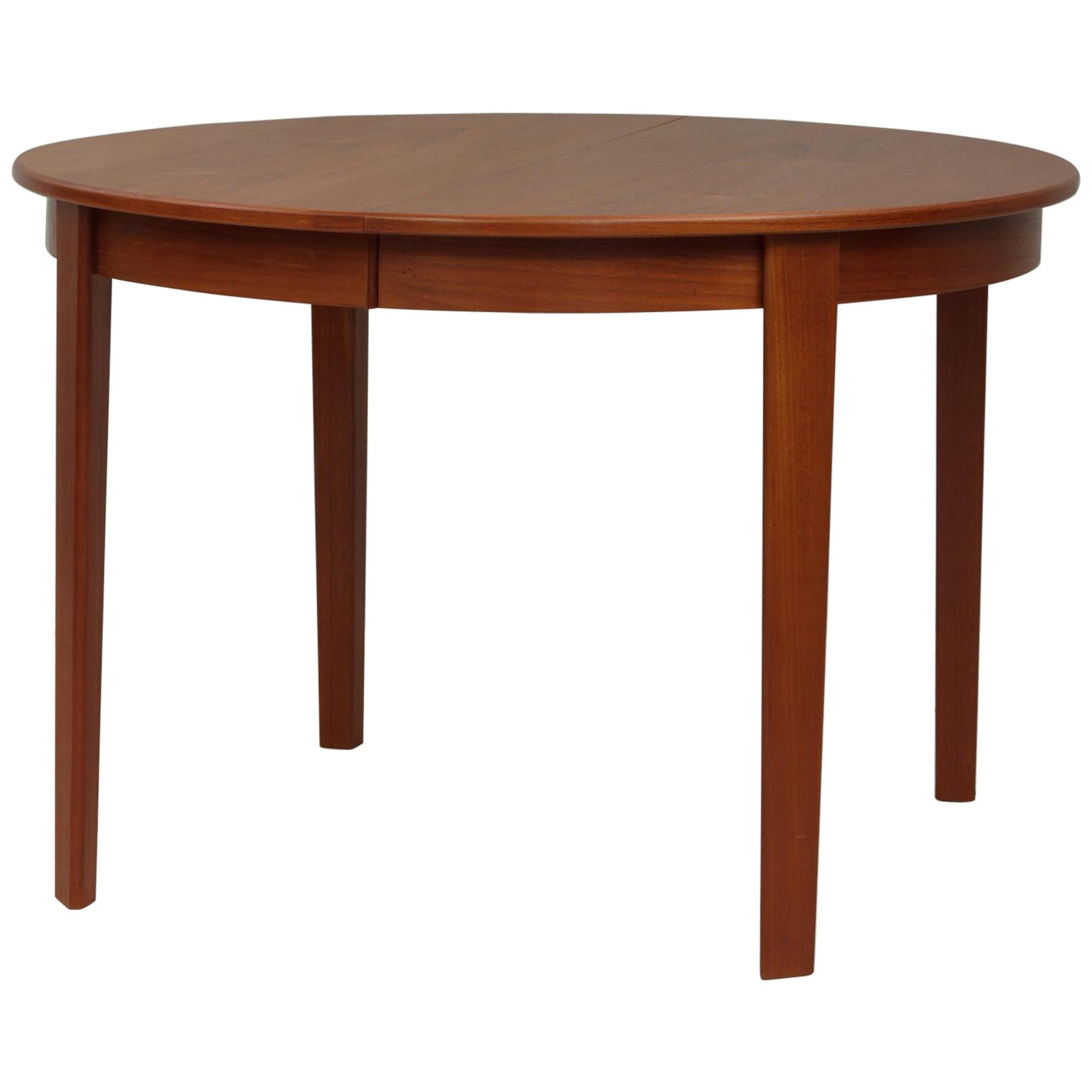 Charmant Danish Midcentury Round Teak Extension Table For Sale