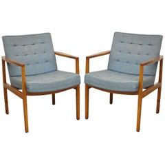 Pair of Florence Knoll International Mid-Century Modern Lounge Armchairs