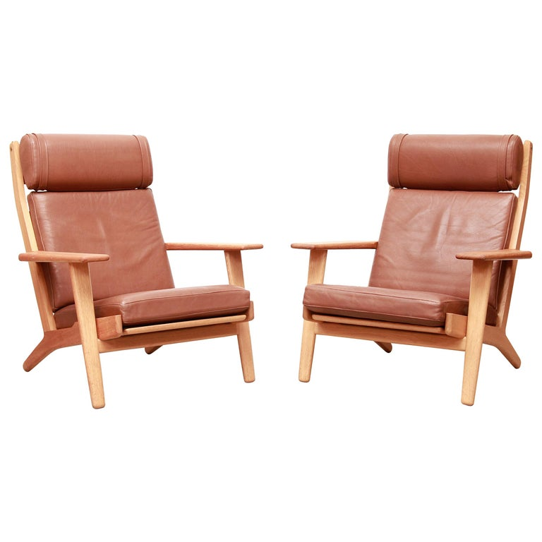 Set of Two Hans J Wegner GE290 Leather Lounge Chairs for GETAMA, 1960s For Sale