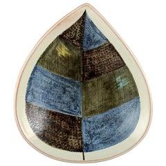 Carl-Harry Stålhane, Rörstrand / Rorstrand, Large Leaf-Shaped Bowl in Stoneware