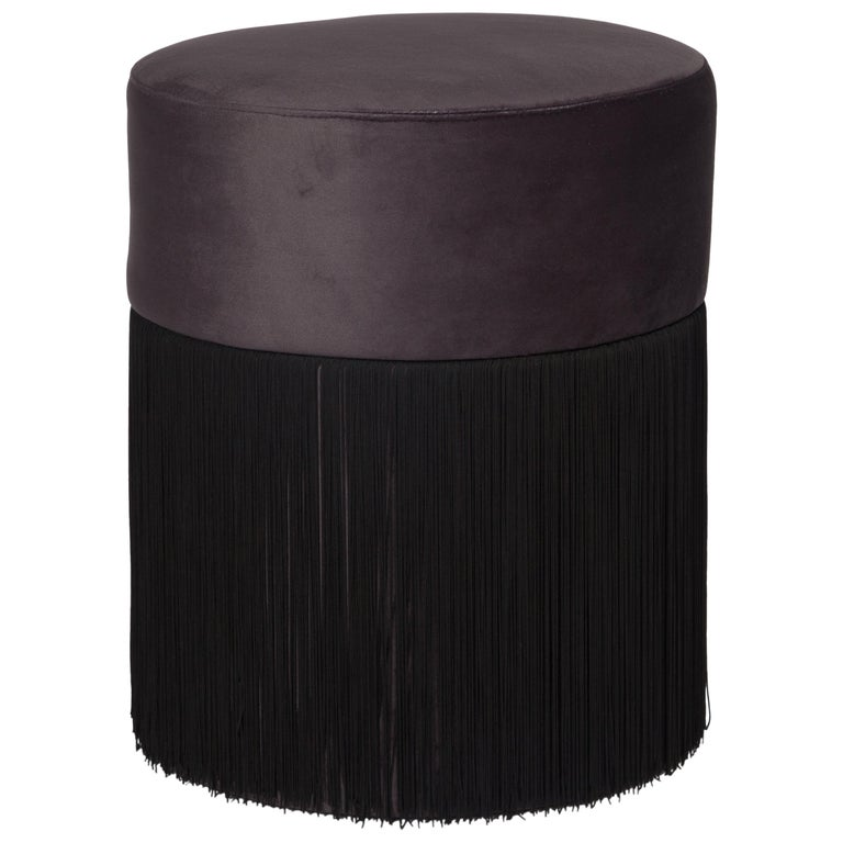 Pouf Pill Black in Velvet Upholstery with Fringes