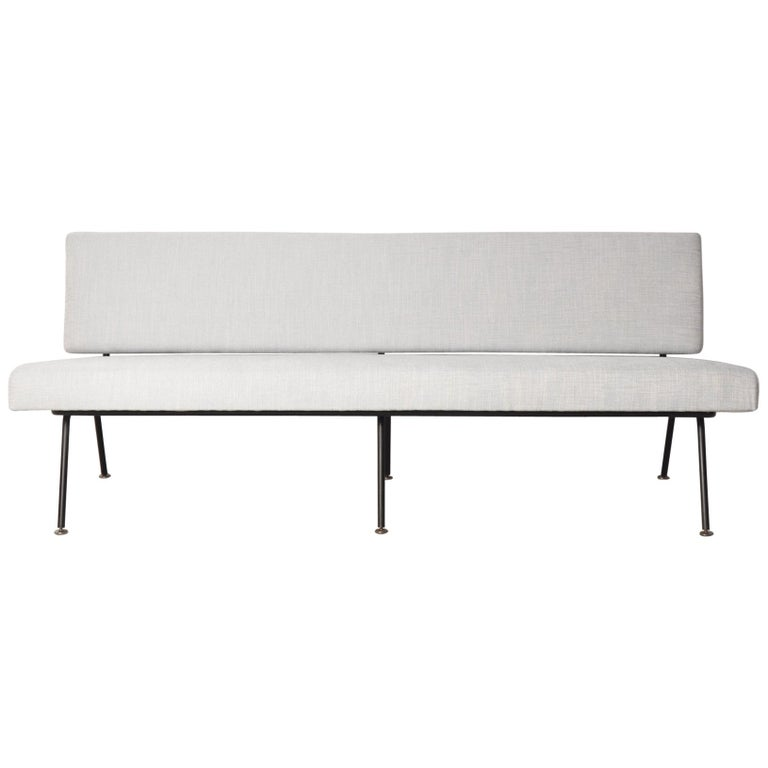 Model 32 Sofa by Florence Knoll for Knoll International, 1965