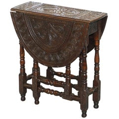 Rare Find Georgian Hand-Carved Gate Leg Small Occasional Side Table Folding