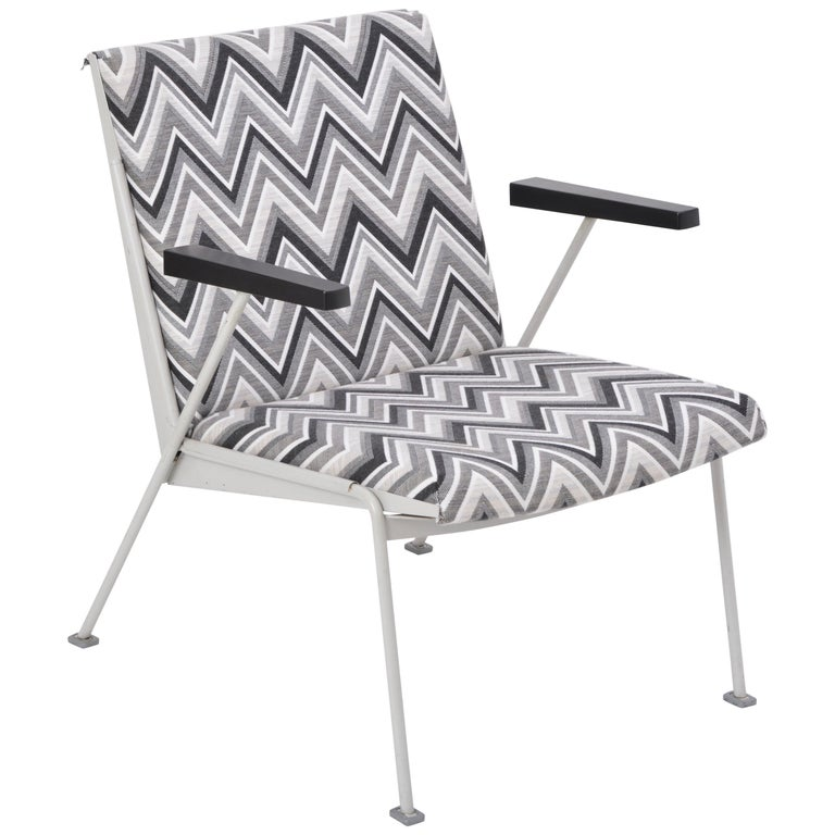 Oase Chair in Black and White Pattern by Wim Rietveld for Ahrend de Cirkel 1