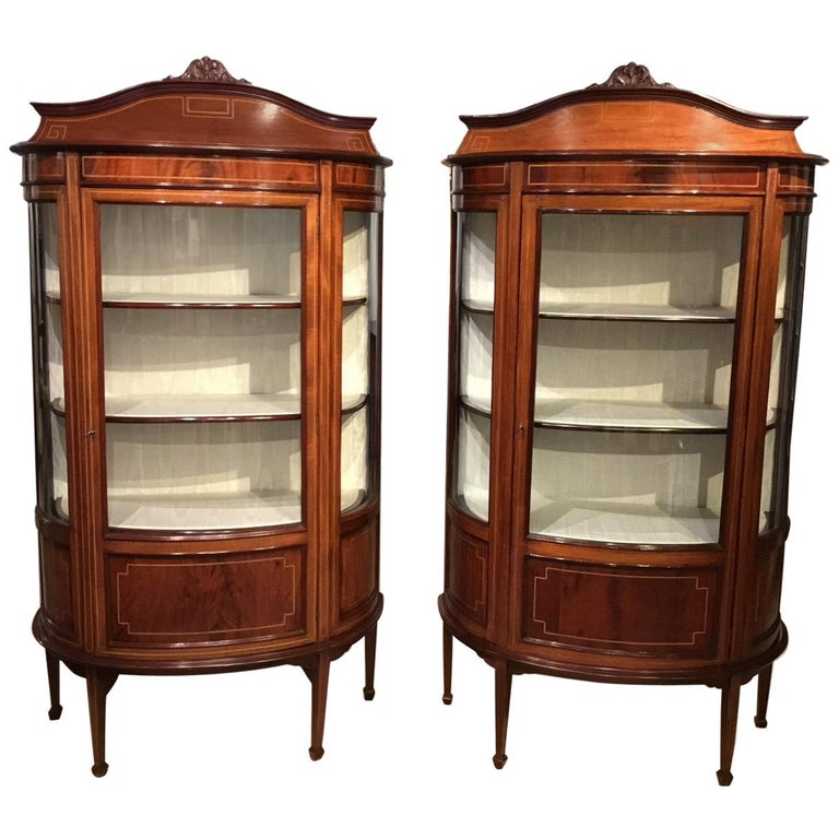 Fine Quality Pair of Mahogany Inlaid Edwardian Period Antique Display  Cabinets For Sale - Fine Quality Pair Of Mahogany Inlaid Edwardian Period Antique