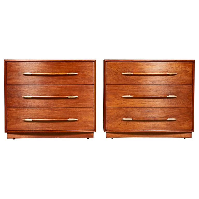 1950s Chest of Drawers by T.H.Robsjohn-Gibbings for Widdicomb Furniture, Pair For Sale