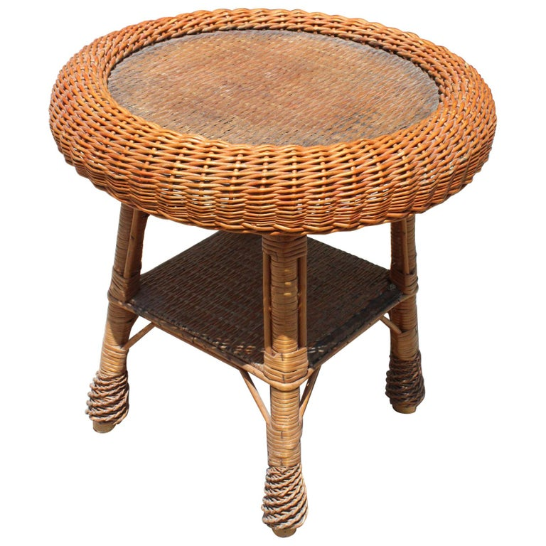 1980s Spanish Wicker Round Side Table