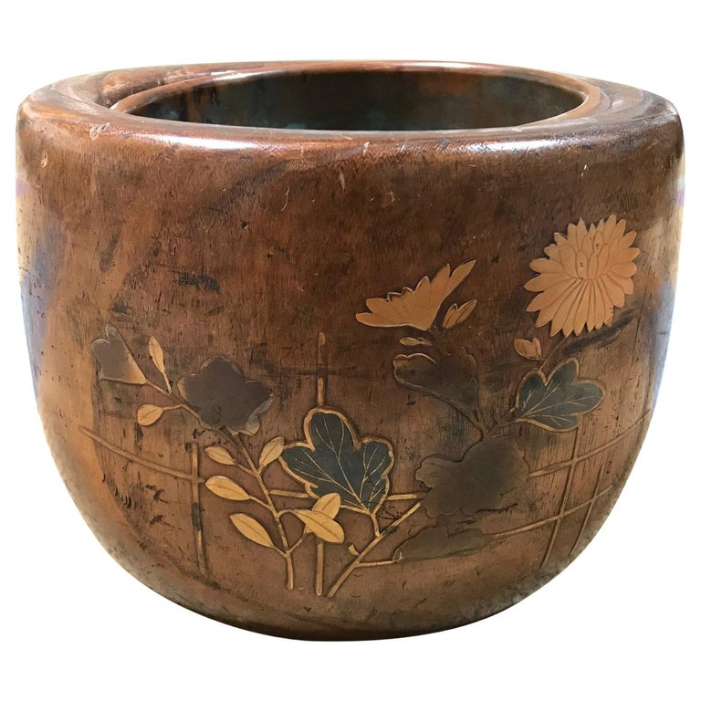 Japanese Wooden and Gilt Lacquer Bowl Lined in Copper For Sale