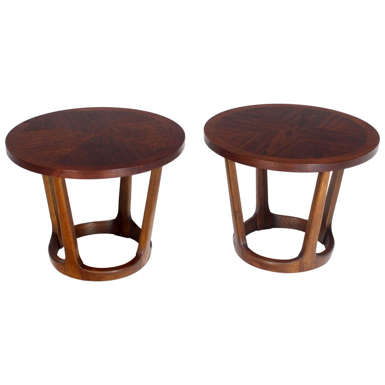 Pair of Round Walnut End Tables Stands on Tapered Bases