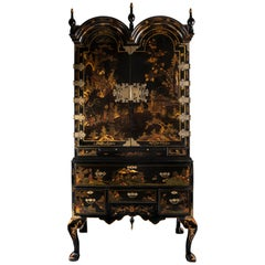 Early 18th Century Large Chinoiserie Black Lacquer Cabinet