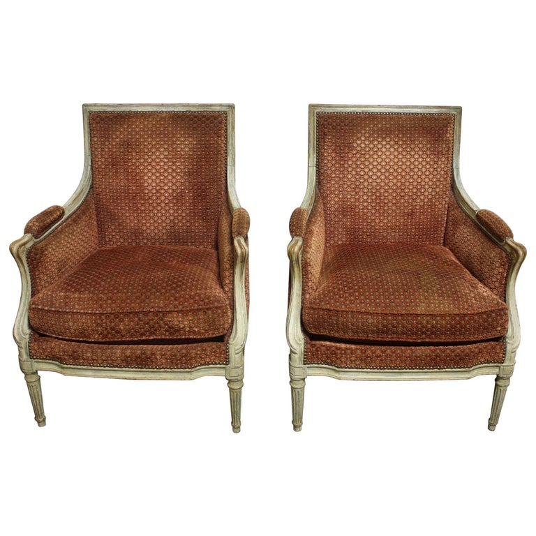 Magnificent Pair of 18th Century French Bergere Chairs For Sale