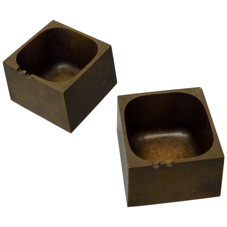 Pair of Paul Evans Style Cast Bronze Brutalist Ash Trays For Sale