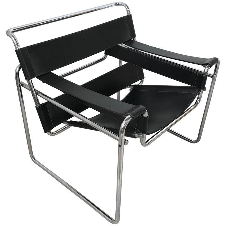 Early Marcel Breuer Wassily Chair in Polishes Chrome and Black Leather For Sale
