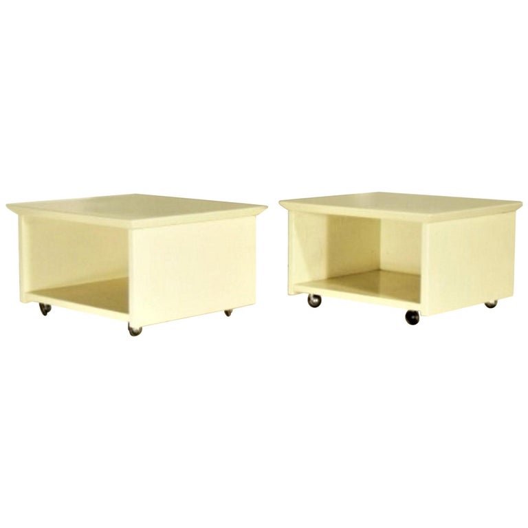 Claudio Salocchi 1975 Set of Two Nightstands Sand Glossy Lacquer 45° Cut Sormani For Sale
