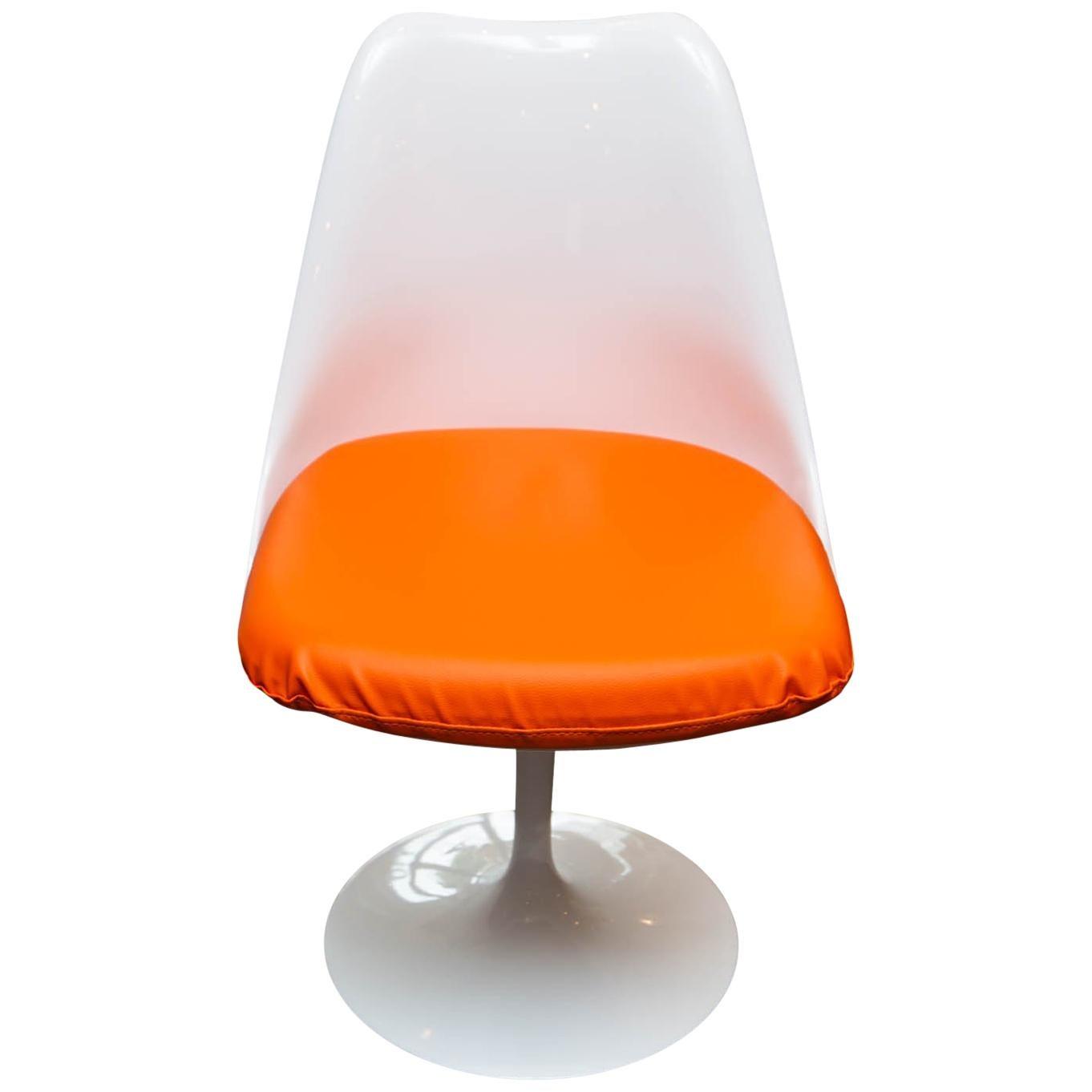 Set Of Six Eero Saarinen Tulip Chairs For Knoll