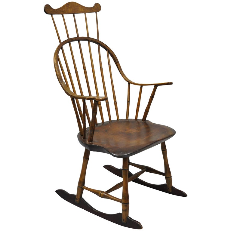 Antique Bow Back Windsor Oak and Pine Wood Rocking Chair Colonial Rocker  For Sale - Antique Bow Back Windsor Oak And Pine Wood Rocking Chair Colonial