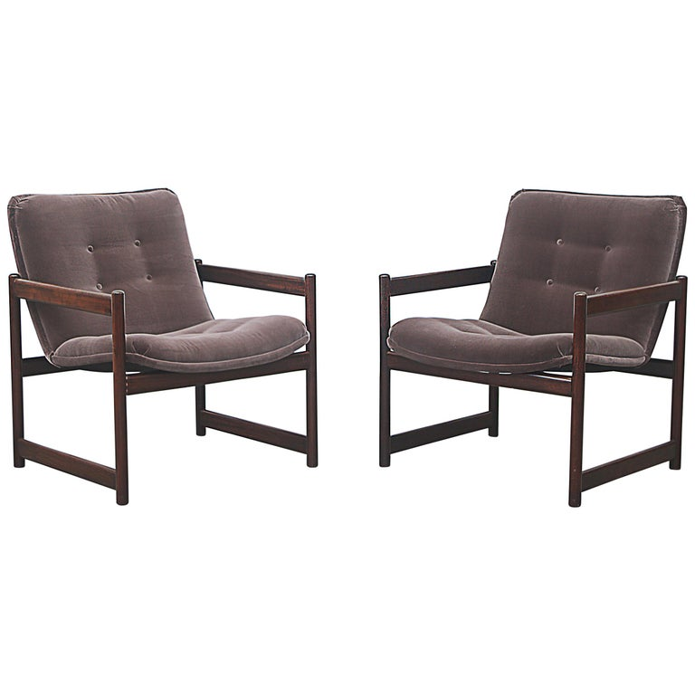 Artifort Lounge Chair with Mahogany Cube Frame