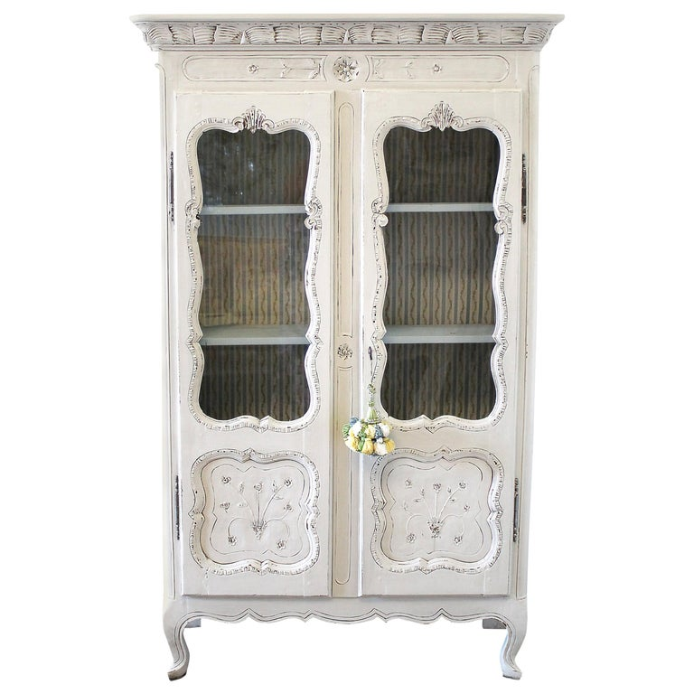 Early 19th Century Petite Painted Country French Cupboard For Sale