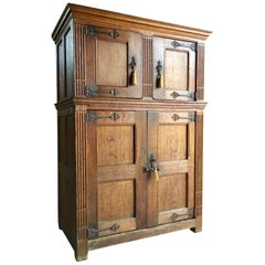 Antique Hall Cupboard Court Cabinet Solid Oak 18th Century, circa 1790