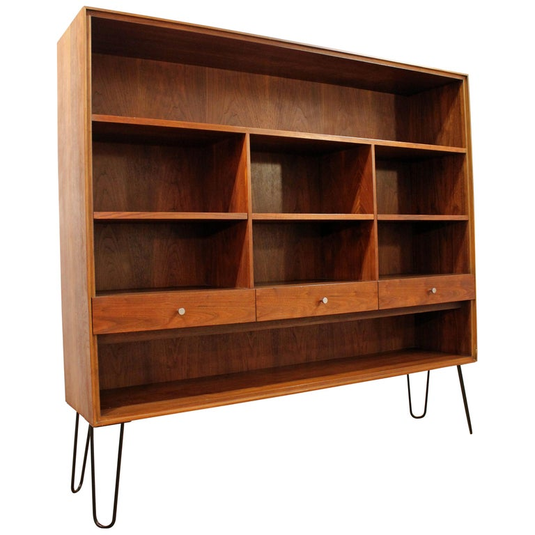 Mid-Century Modern Paul McCobb Walnut Bookcase Shelf on Hairpin Legs