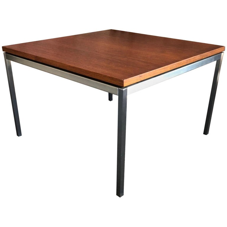 Model 2514 Side Table by Florence Knoll