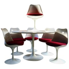 Fabulous Eero Saarinen Tulip Dining Table & Six Tulip Dining Chairs Knoll Studio