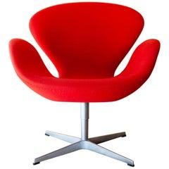 Vintage Danish Swan Chairs Arne Jacobsen Fritz Hansen