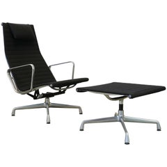 Charles & Ray Eames EA124 + EA125 Lounge Chair and Ottoman Herman Miller, 1970s