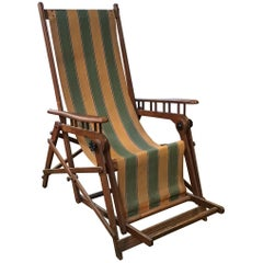 Italian Midcentury Adjustable and Foldable Beach Chair in Walnut from 1960s