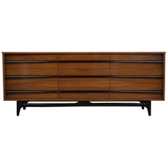1960s Mid-Century Modern Dresser in the Style of Vladimir Kagan