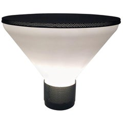 Fontana Arte 'Figura' Modern White Glass and Black Metal Table Lamp, 1980s