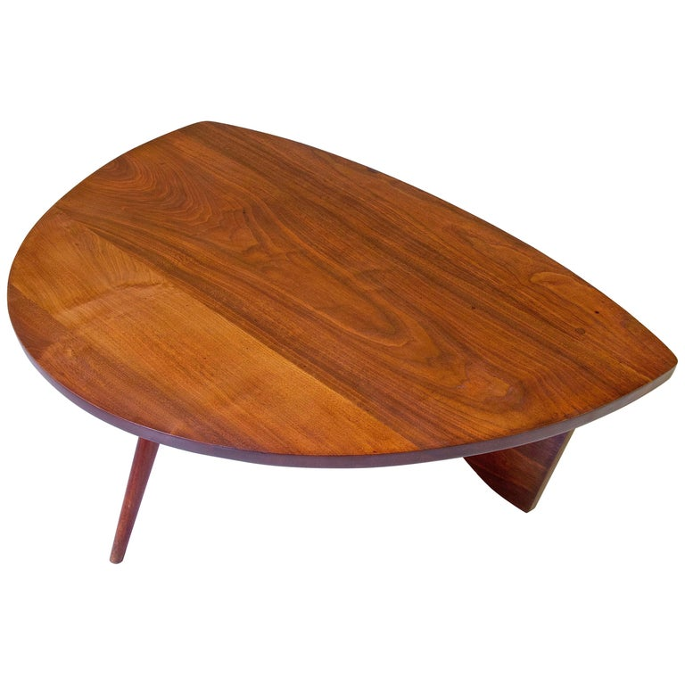 "George Nakashima ""Shell-Shaped"" Coffee Table in American Black Walnut, 1940s"