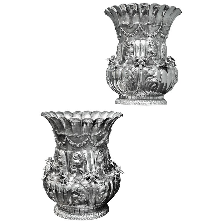 Luigi Diani 20th Century Rococo Pair Of Engraved Silver Flower Vases