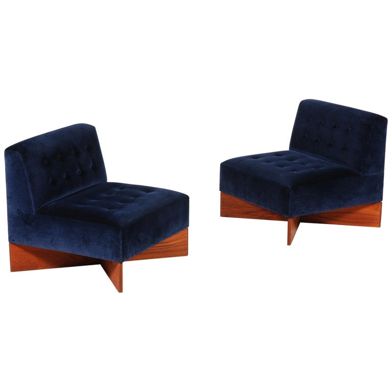 """Pair of """"Capitole"""" Easy Chairs by Pierre Guariche, 1960s For Sale"""