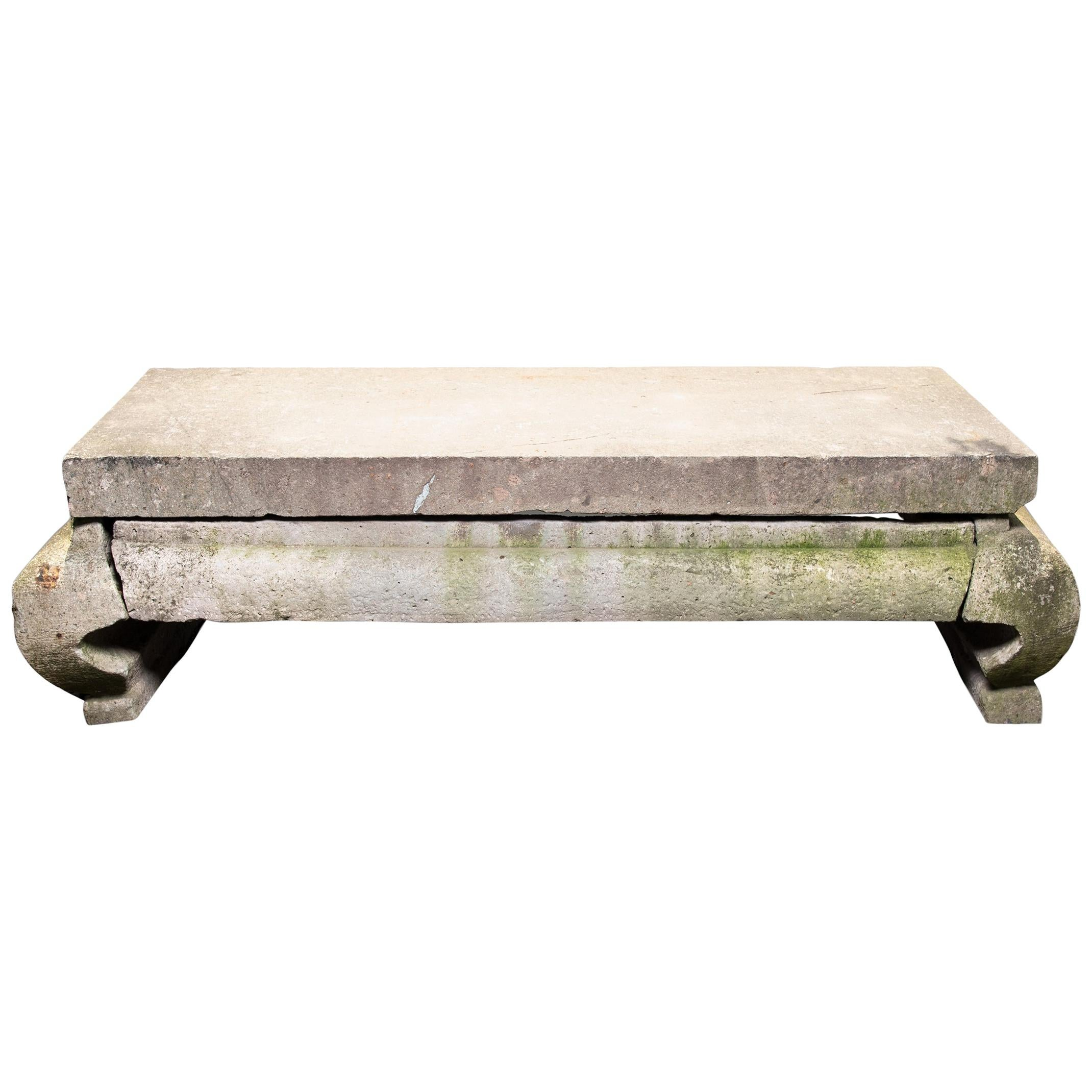 Ordinaire Grand 17th Century Chinese Limestone Table For Sale