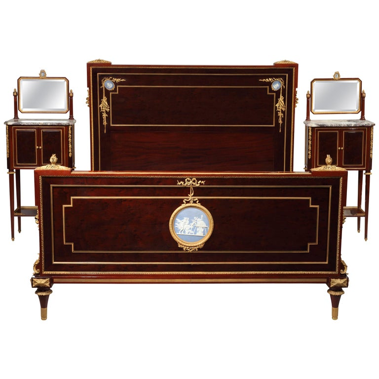Elegant Louis Xvi Style Veneered Wood Bedroom Set