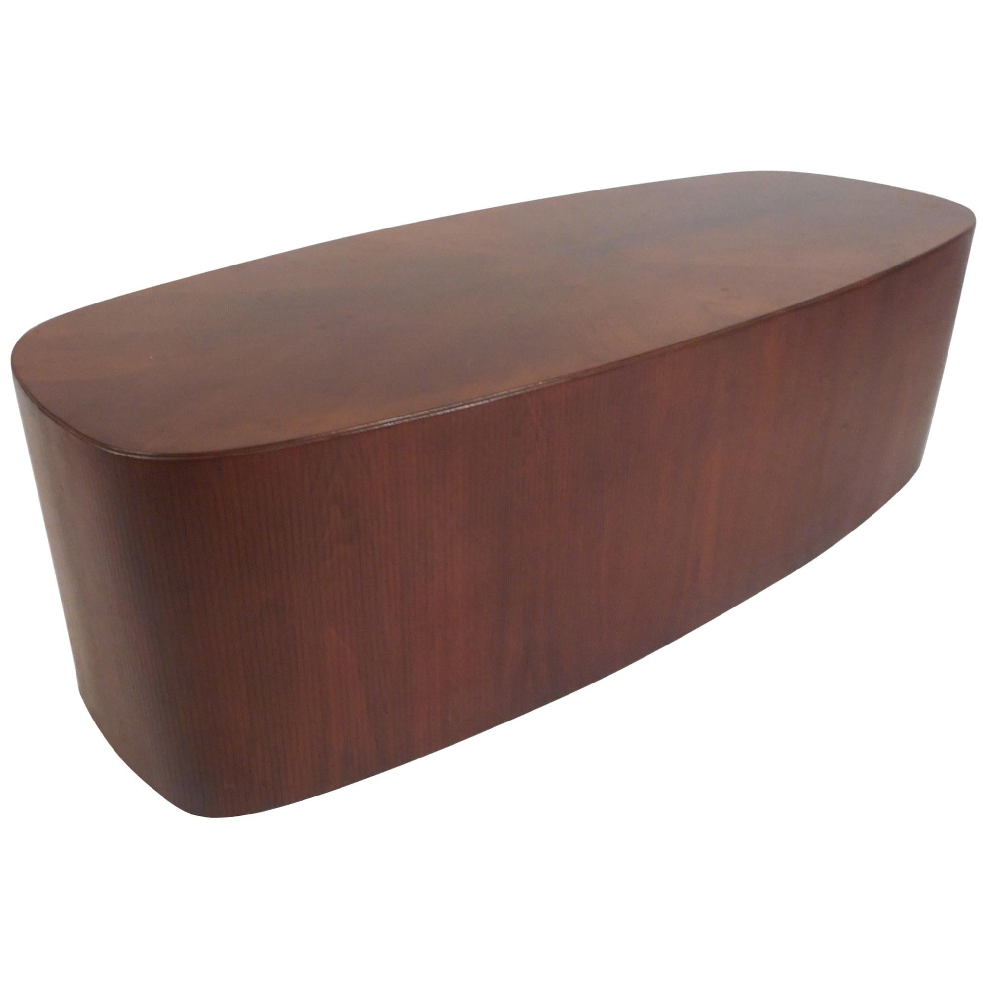 Incroyable Mid Century Modern Oval Coffee Table