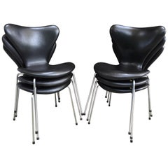 Arne Jacobsen 3107 Chair Designed in 1955 in Original Black Leather