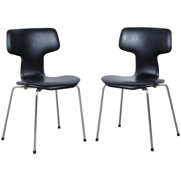 Pair of 'T-Chairs' by Arne Jacobsen For Sale