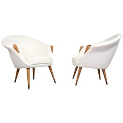 Danish Modern Pair of Lounge Chairs in Elm Reupholstered in Off-White Wool
